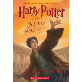 Harry Potter and the Deathly Hallows, Book 7 (Paperback)